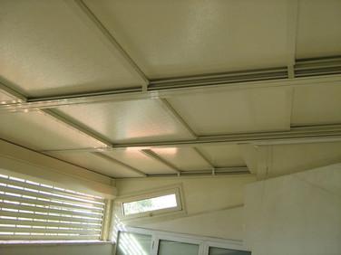 גג הזזה חשמלי במצב סגור
