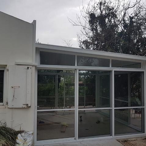 חדר שמש במרפסת