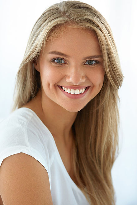 ציפויי חרסינה לשיניים HOLLYWOOD SMILE