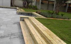 בניית דק מעץ