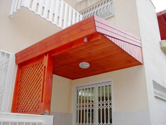 בניית גג רעפים למפתן הבית