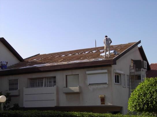 שלב כיסוי הגג ברעפים