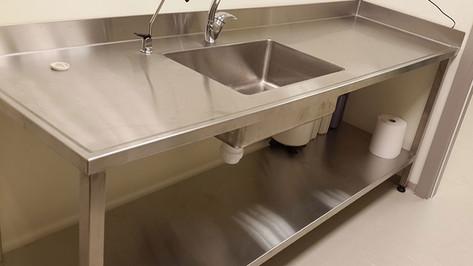 עמדת שטיפת ידיים למטבח מוסדי