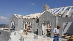 הקמת גג רעפים בבית חדש