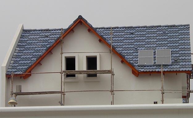 בניית גגות רעפים בסגנונות שונים