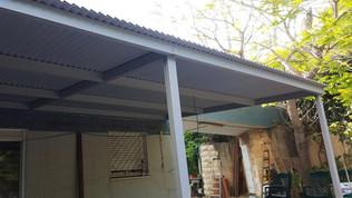 פרגולה חשמלית למרפסת שמש