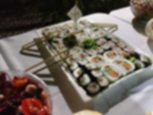 קייטרינג ארוחת צהריים אסייתית - קייטרינג לאירועים עסקיים - איט איט קייטרינג מגשי אירוח