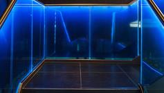 מעקה זכוכית משולב תאורת לד
