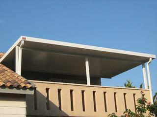 גג מבודד לקירוי פרגולה