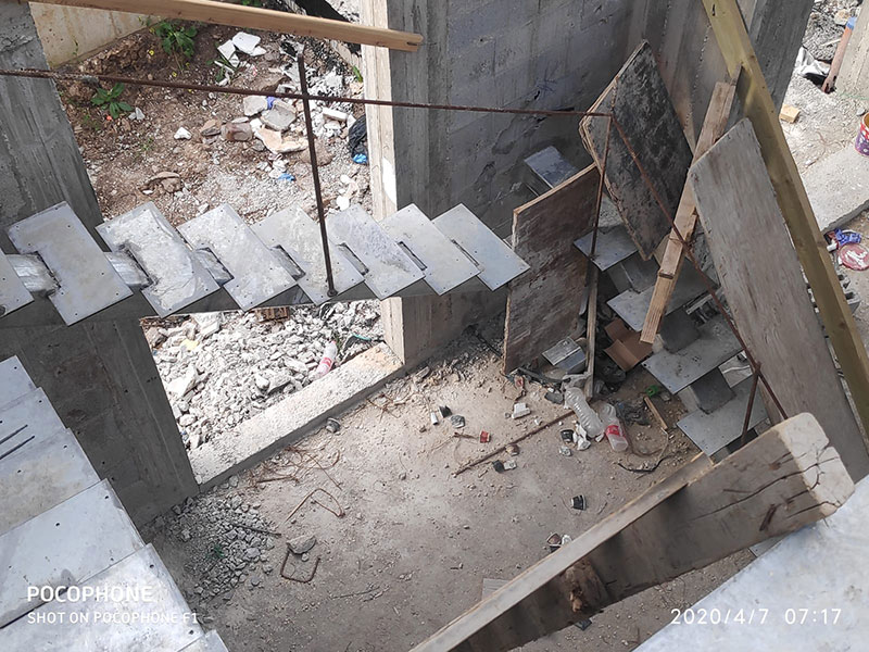 תהליך בניית מדרגות