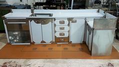מגירות נירוסטה משולבות במטבח חוץ