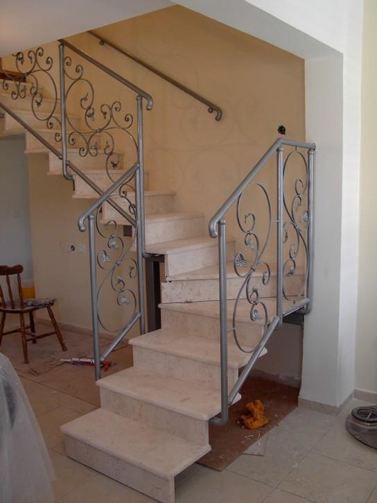 בניית גרם מדרגות