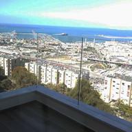 מעקה זכוכית למרפסת בחיפה