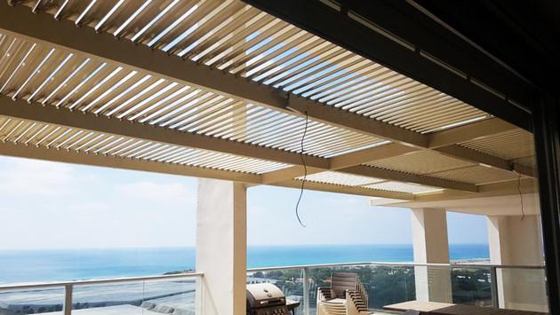 התקנת פרגולה חשמלית למרפסת שמש