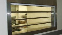 חלון הגשה למטבח מוסדי
