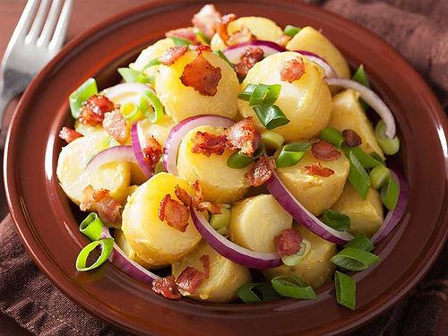 סלט תפוחי אדמה אירופאי פרווה - סלטים של קייטרינג איט איט
