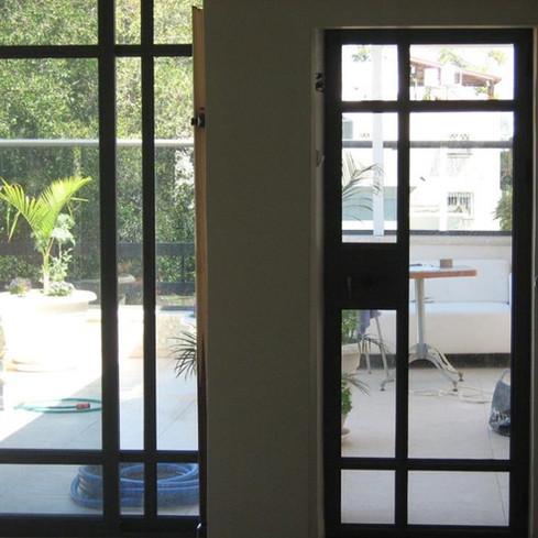 דלת אלומיניום בסגנון בלגי