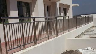 גדר נירוסטה לשטח ציבורי