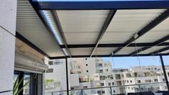 פרגולה חשמלית למרפסת גג
