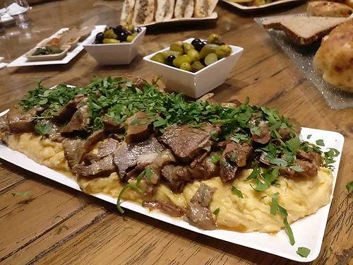 אסאדו על מצע פירה - מנות בשריות מהמטבח החם של קייטרינג איט איט