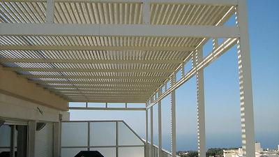 פרגולות אלומיניום למרפסת שמש