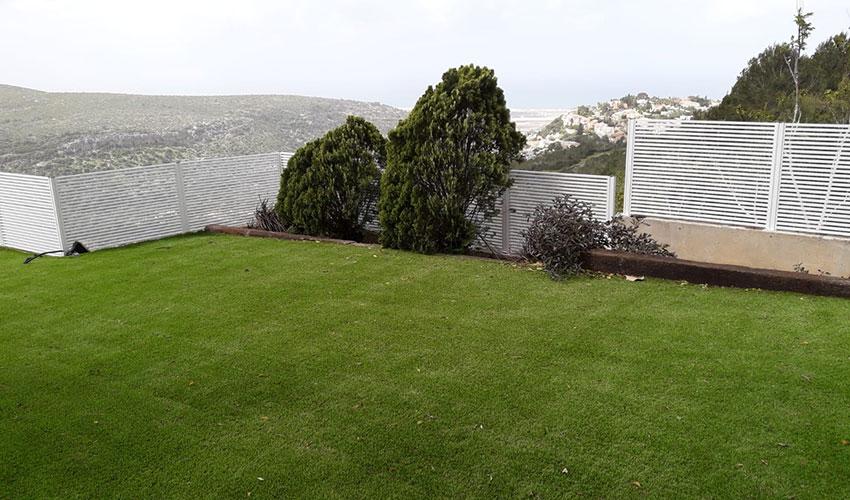גדר היקפית לחצר מאלומיניום
