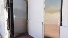 משקופים ודלתות נירוסטה