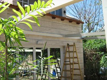 התקנת גג הזזה חשמלי בגינה