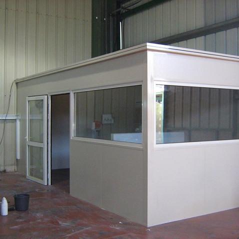 משרד בניה קלה מאלומיניום