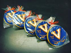 UVA Graduation Cut-Out Cookies #uva #gohoos #graudation #classof2017 #virginia #orangeandblue #caval