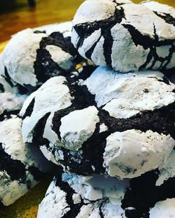 Chocolate Crackle Cookies #staple #cookie #cookiemonster #bettergettwo #gotmilk #thebest #chocolatel
