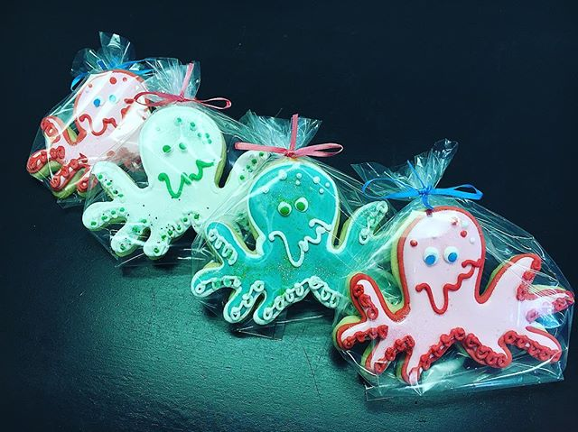 🐙Octopus Cut-Out Cookies #cutouts #cutoutcookies #octopus #🐙 #summer #summer2017 #cookies #parisca