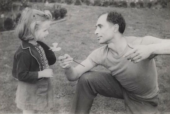 Jose Limon with Girl and Flower @600dpi.