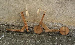 trotinette en bois a hélice