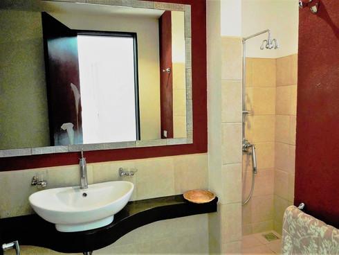 Tamarindosun salle de douche 2