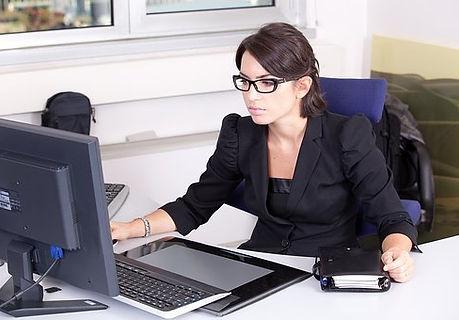 secretary-2199013__340.jpg