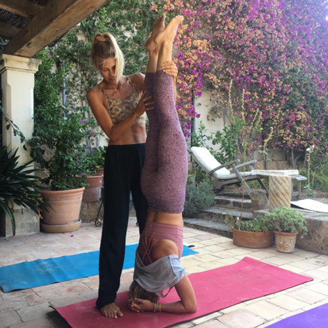 Private headstand workshop on retreat in Mallorca