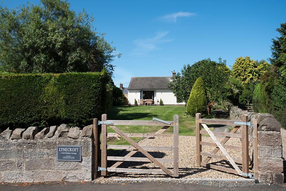 Lynecroft Gate.jpg