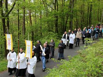 Maiwallfahrt zur Lourdes-Kapelle in Bachem