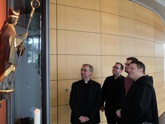 Besuch des Hamburger Erzbischofs