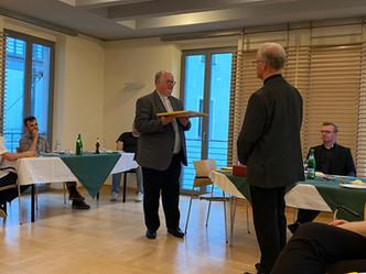 Verabschiedung von Pater Schulze SAC und Abschlussglocke des 4 Kurses
