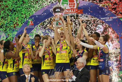 Finali Coppa Italia: Conegliano non si ferma più, terzo trofeo e 3-0 in casa di Busto Arsizio