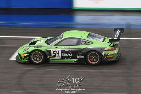 Blancpain Endurance Series: Bachler, Ashkanani e Rizzoli portano la Porsche dalla vittoria, Smolyar