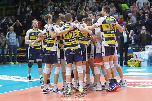 Del Monte Coppa Italia: Modena vince i quarti di finale e vola a Bologna
