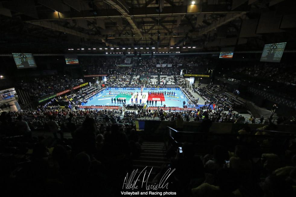 Del Monte Coppa Italia: Civitanova in finale al tie-break, Perugia asfalta Modena in 3 set