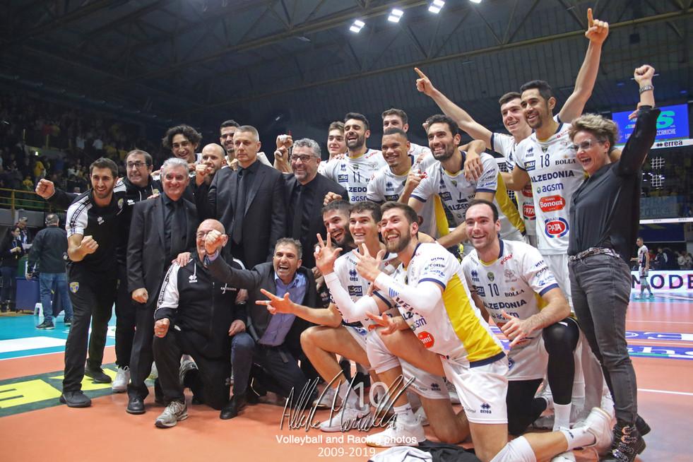 Superlega Credem Banca: La Verona di Stoytchev ferma Modena al tie-break