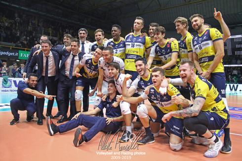 Superlega Credem Banca: altri tre punti per Modena che suda con Latina