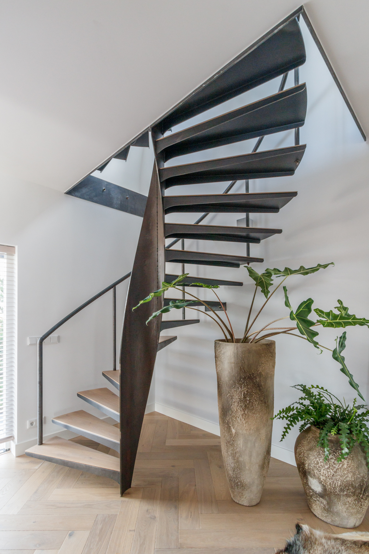 Van Bruchem Staircases Stalen Wenteltrappen