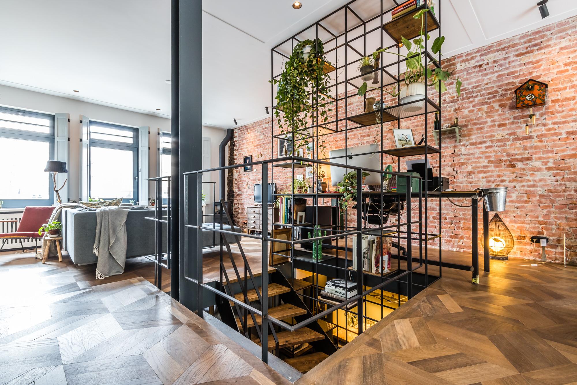 Van Bruchem Staircases Stalen Trap Met Kast