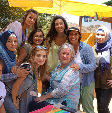 Libanon girls.png